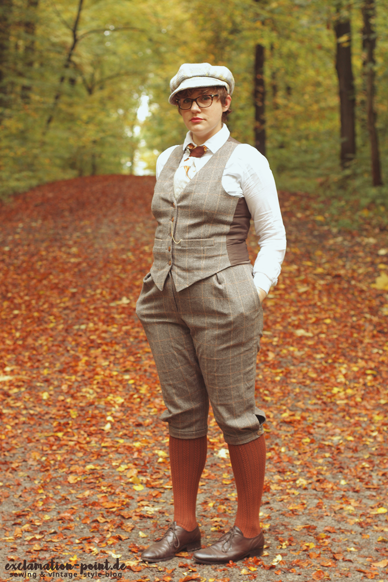 Vintage inspired Tweed Run outfit - glencheck knickerbocker and waistcoat, androgynous dandy style | exclamation-point.de - sewing blog