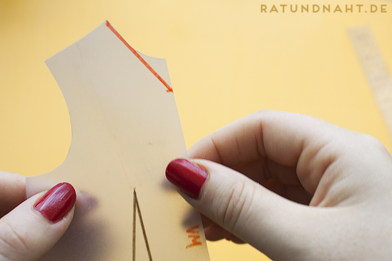 DIY: Matrosenkragen konstruieren - super einfache Anleitungzum Matrosenkragen nähen von Rat & Naht