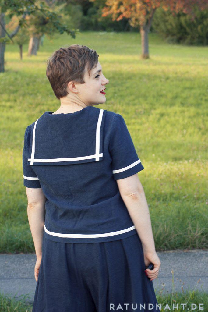 Sailor-inspiriertes Oberteil mit Matrosenkragen